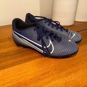 Nike football boots navy size 3Y
